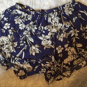 { Peach Love } blue flower pattern small shorts